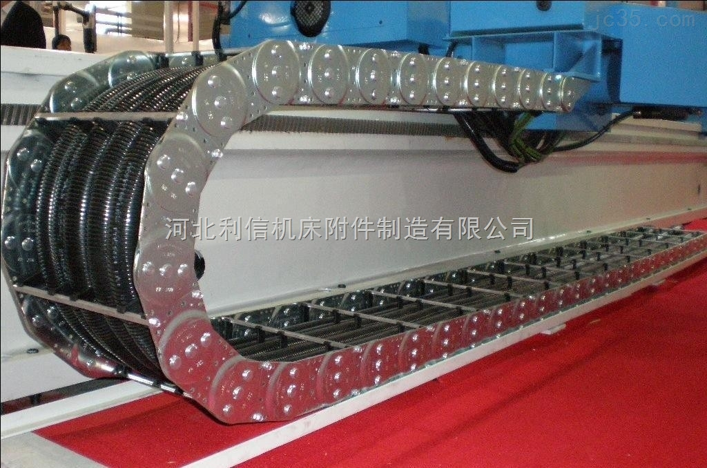 载重渗碳桥式电缆穿线钢制拖链