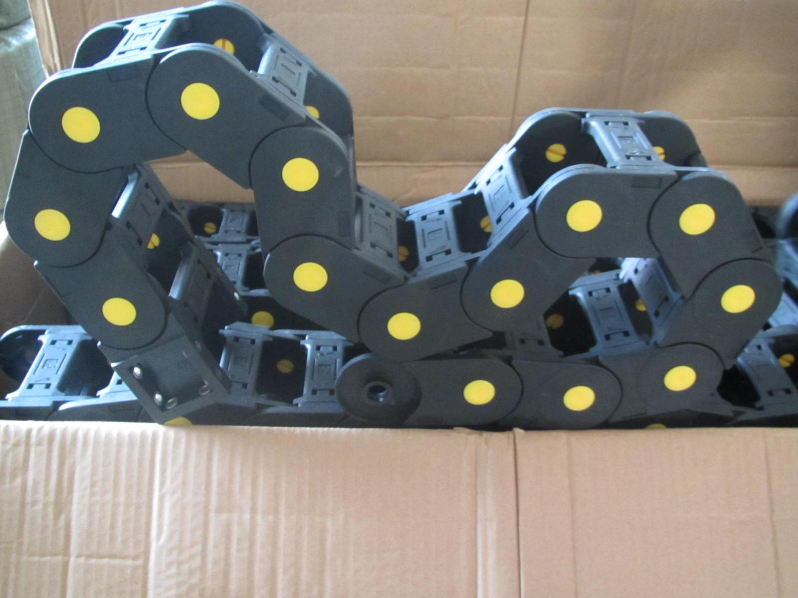 机械手线缆塑料拖链产品图