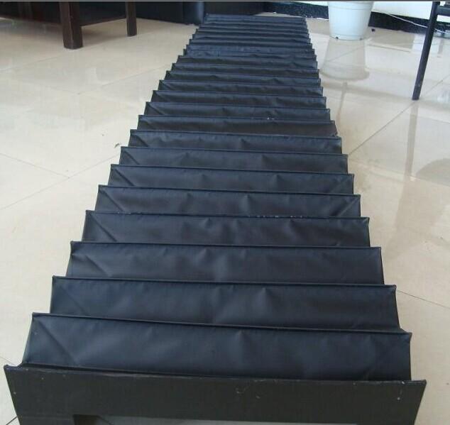 竖直使用风琴防护罩产品图