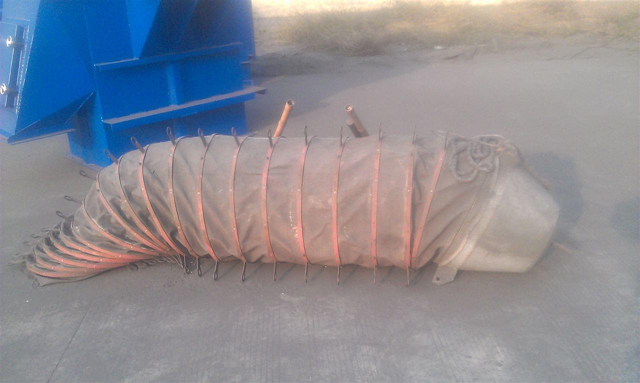 水泥卸料口伸缩布筒产品图