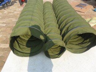 绿色帆布输送布筒产品图